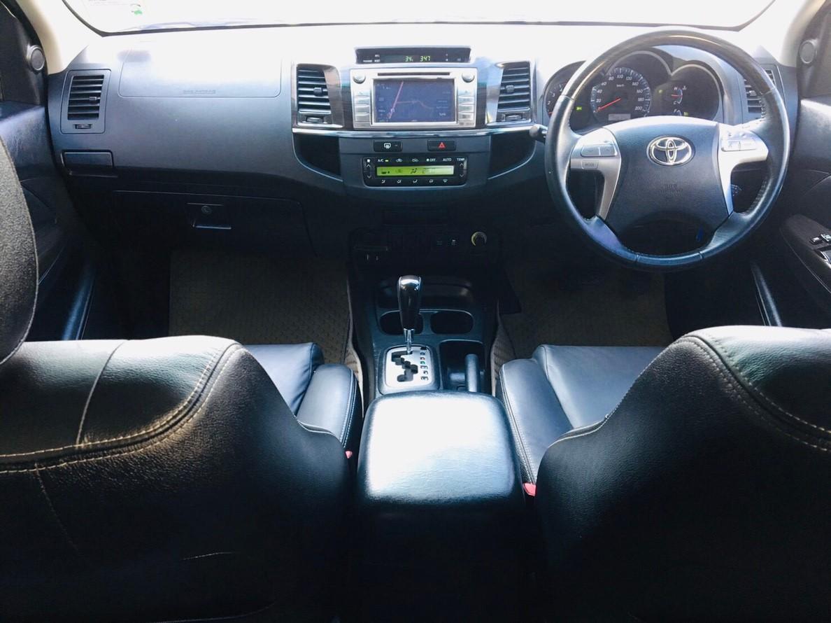 ภาพทรรศนการขับขี่ โตโยต้า ฟอร์จูนเนอร์ 3.0 V 2WD ปี 2015