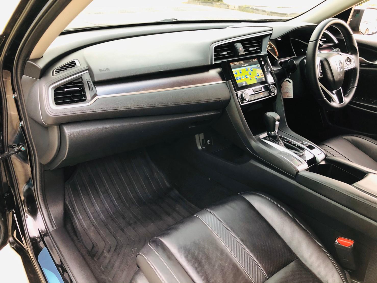 ภาพคอนโซล ฮอนด้า ซีวิค FC 1.5 Turbo RS ปี 2016