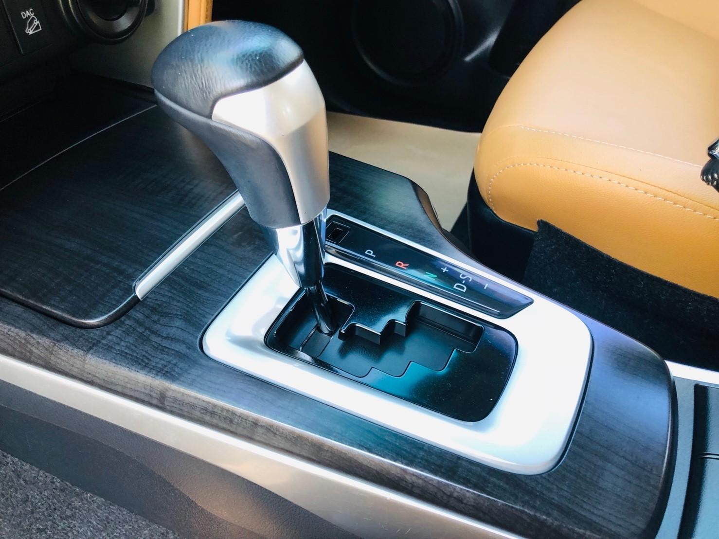 ภาพเกียร์ โตโยต้า ฟอร์จูนเนอร์ 2.8 V 4WD ปี 2016