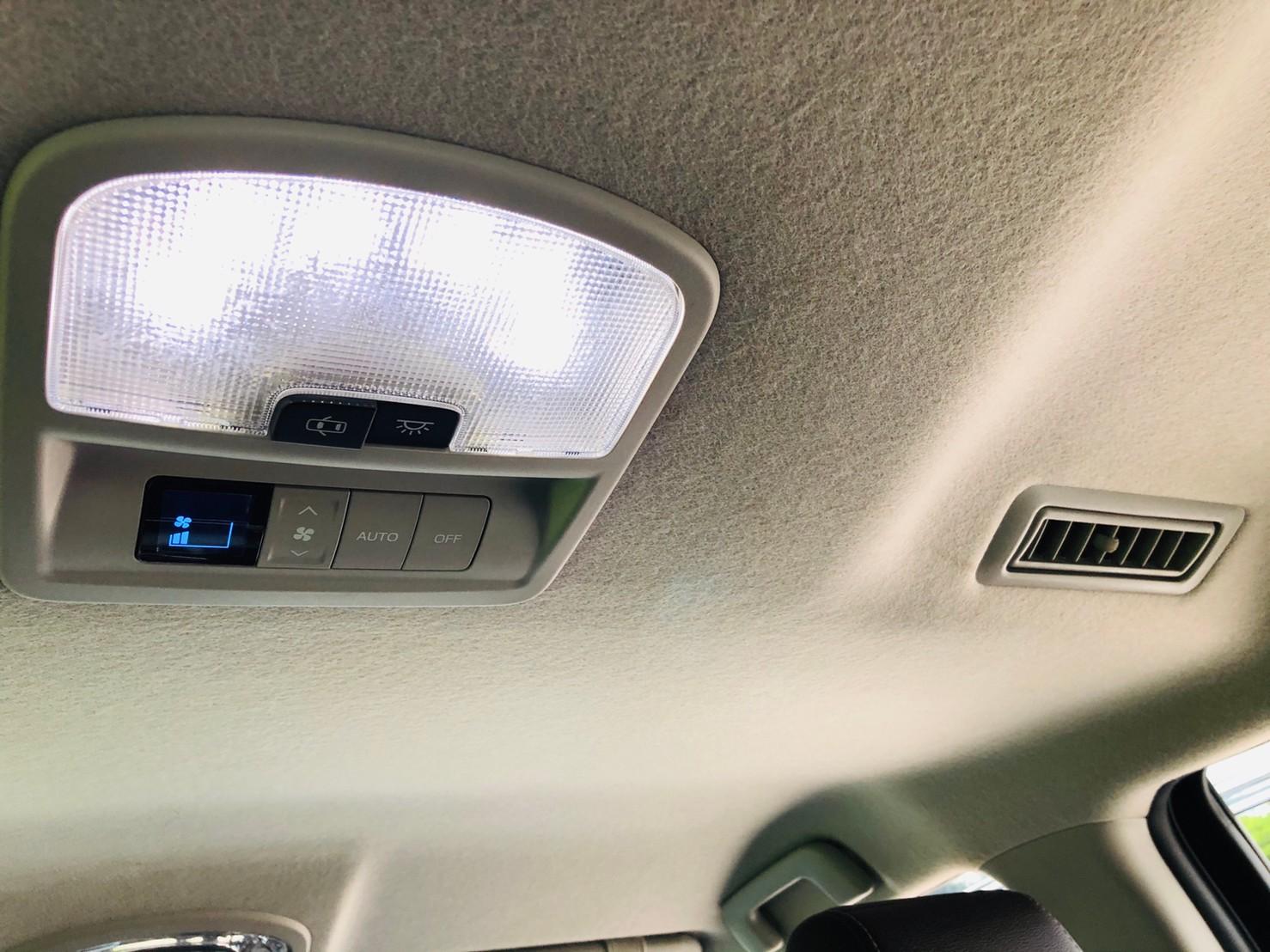 ภาพไฟด้านบน โตโยต้า ฟอร์จูนเนอร์ 2.4 V 4WD ปี 2018
