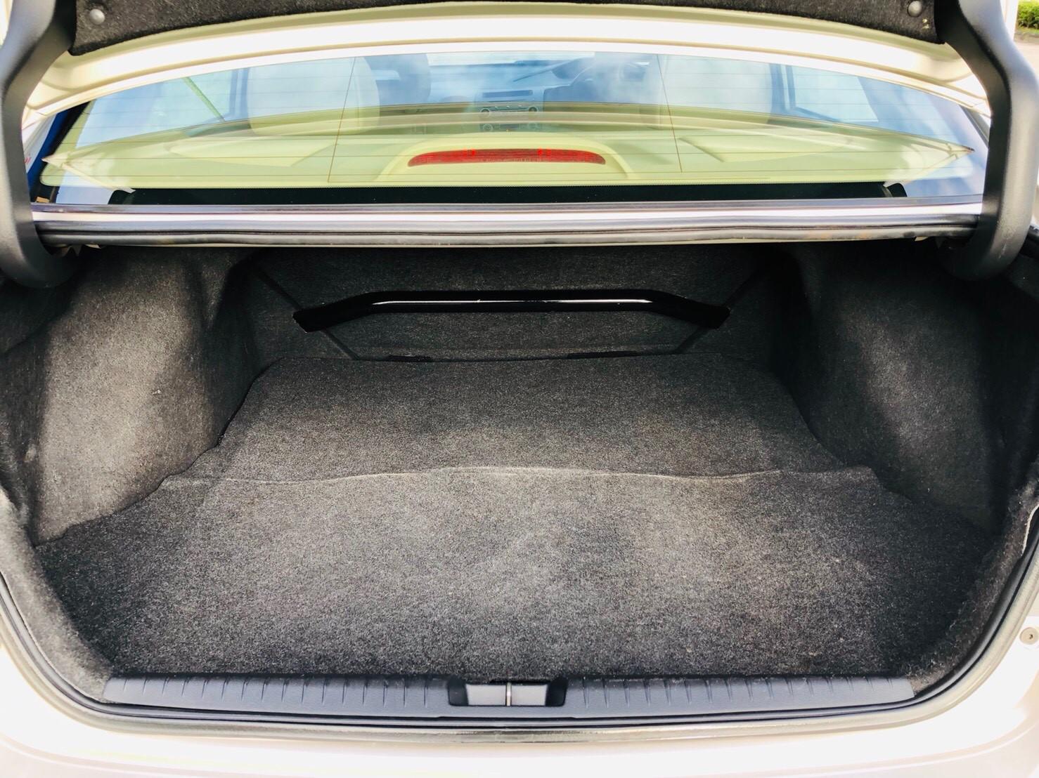 ภาพท้ายรถ ฮอนด้า ซีวิค 2.0 EL ปี 2006