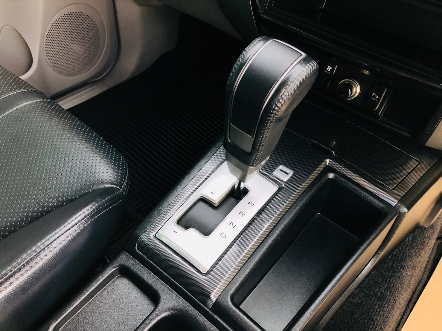ภาพเกียร์ มิตซูบิชิ ปาเจโร่ สปอร์ต 2.5 GT Navi 2WD ปี 2014