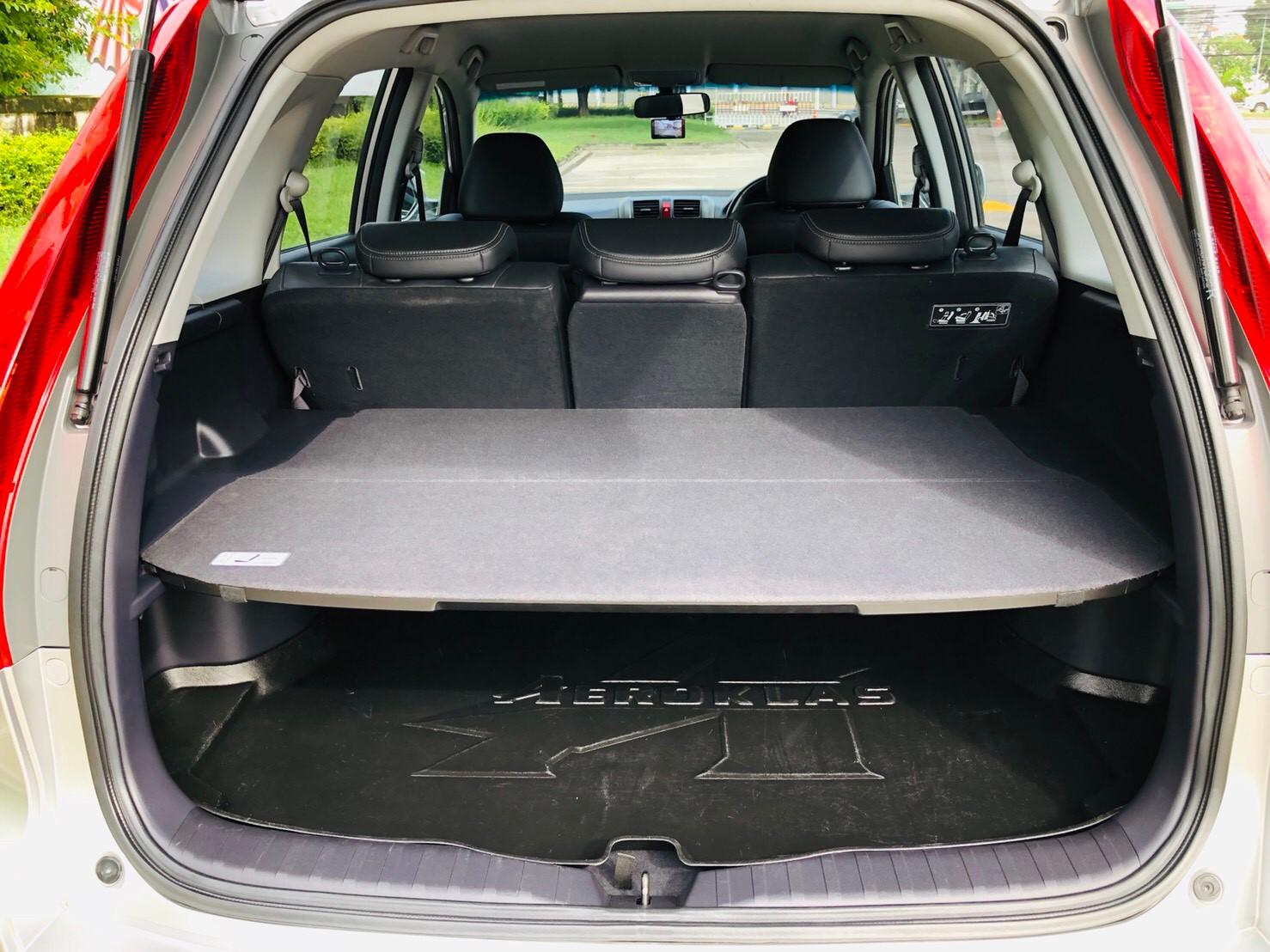 ภาพท้ายรถ ฮอนด้า ซีอาร์-วี 2.0 E 4WD ปี 2011