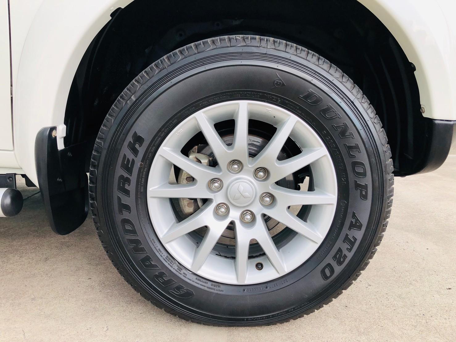 ภาพล้อแม็ก มิตซูบิชิ ปาเจโร่ สปอร์ต 2.5 GT 2WD ปี 2013