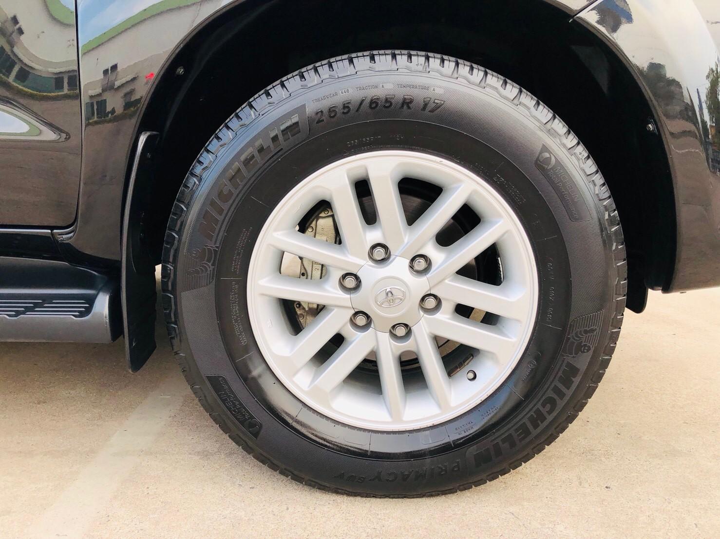 ภาพล้อ โตโยต้า ฟอร์จูนเนอร์ 3.0 V 2WD ปี 2013