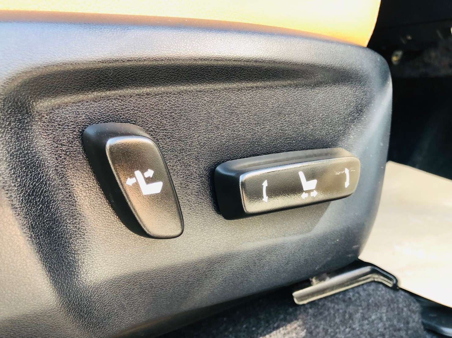 ภาพฟังก์ชั่นเบาะไฟฟ้า โตโยต้า ฟอร์จูนเนอร์ 2.8 V 4WD ปี 2016